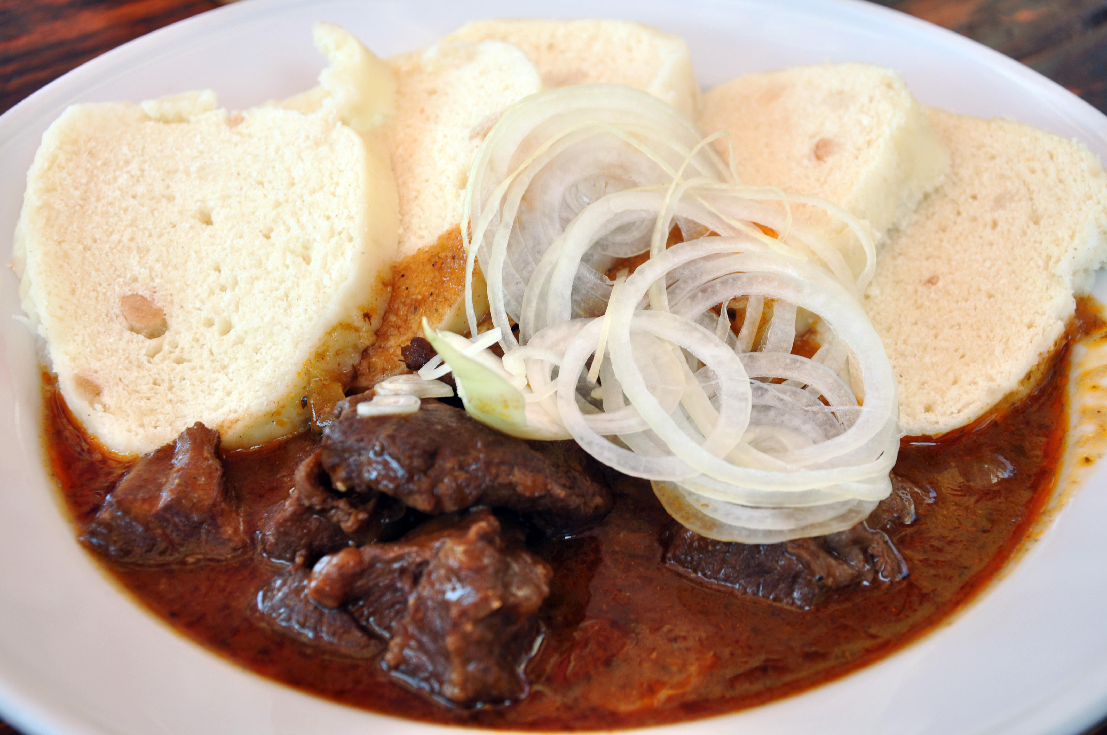 Bò Gulas - Knedlily